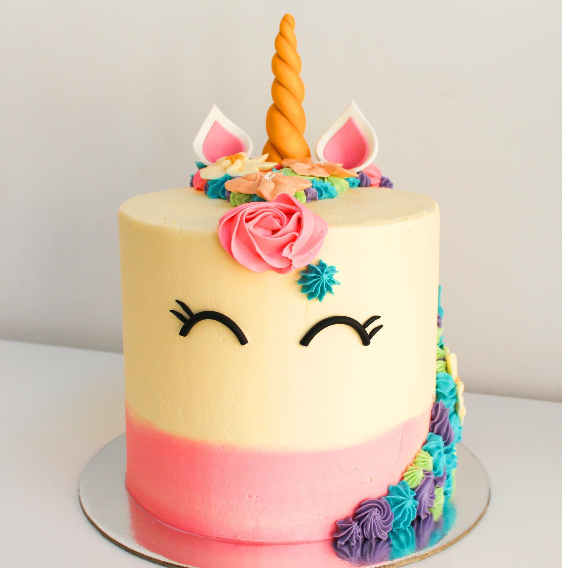 60 Simple Unicorn Cake Design Ideas