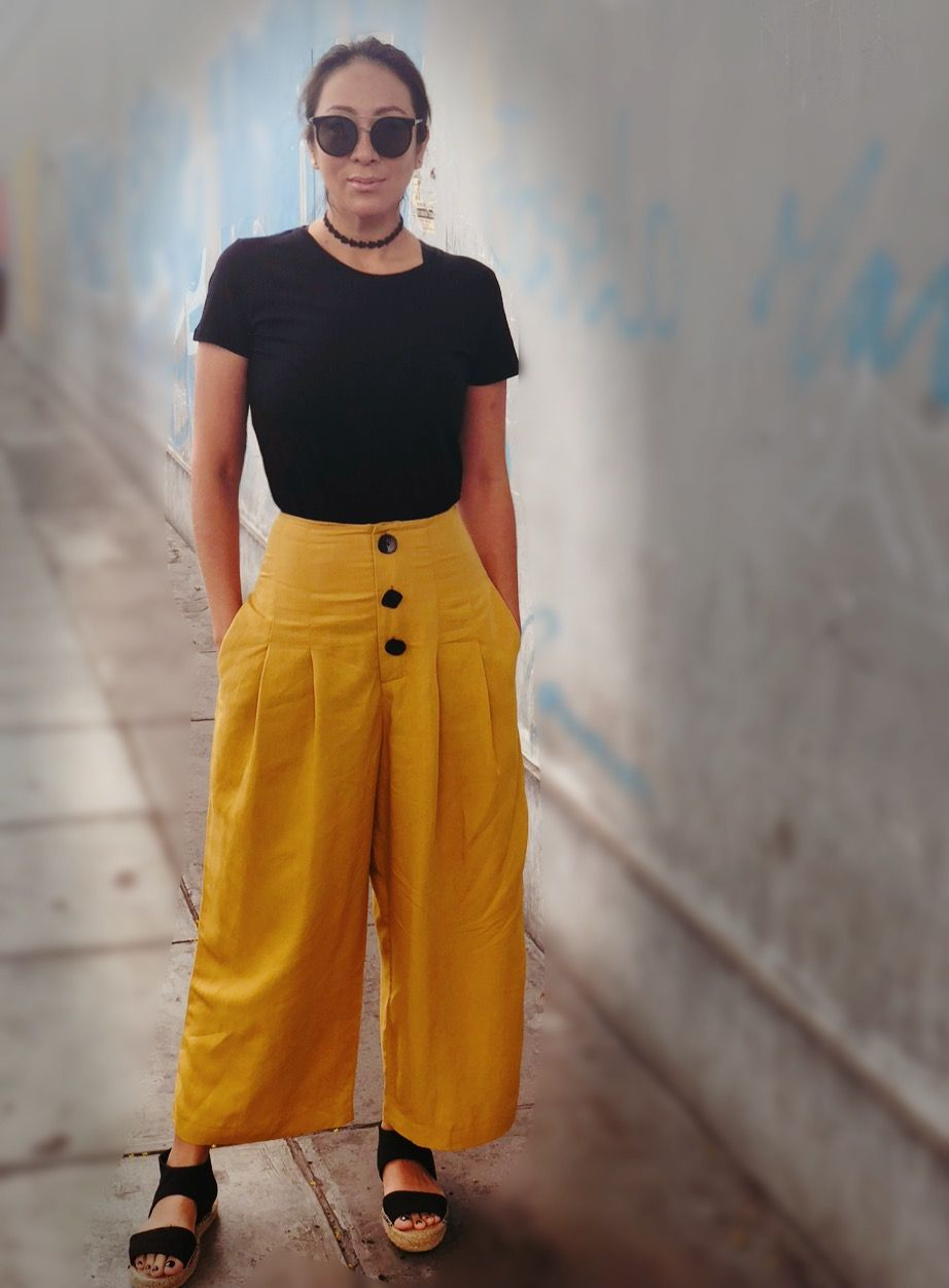 Pantalón bombacho ancho mostaza amarillos de botones negros  71517e8011f8