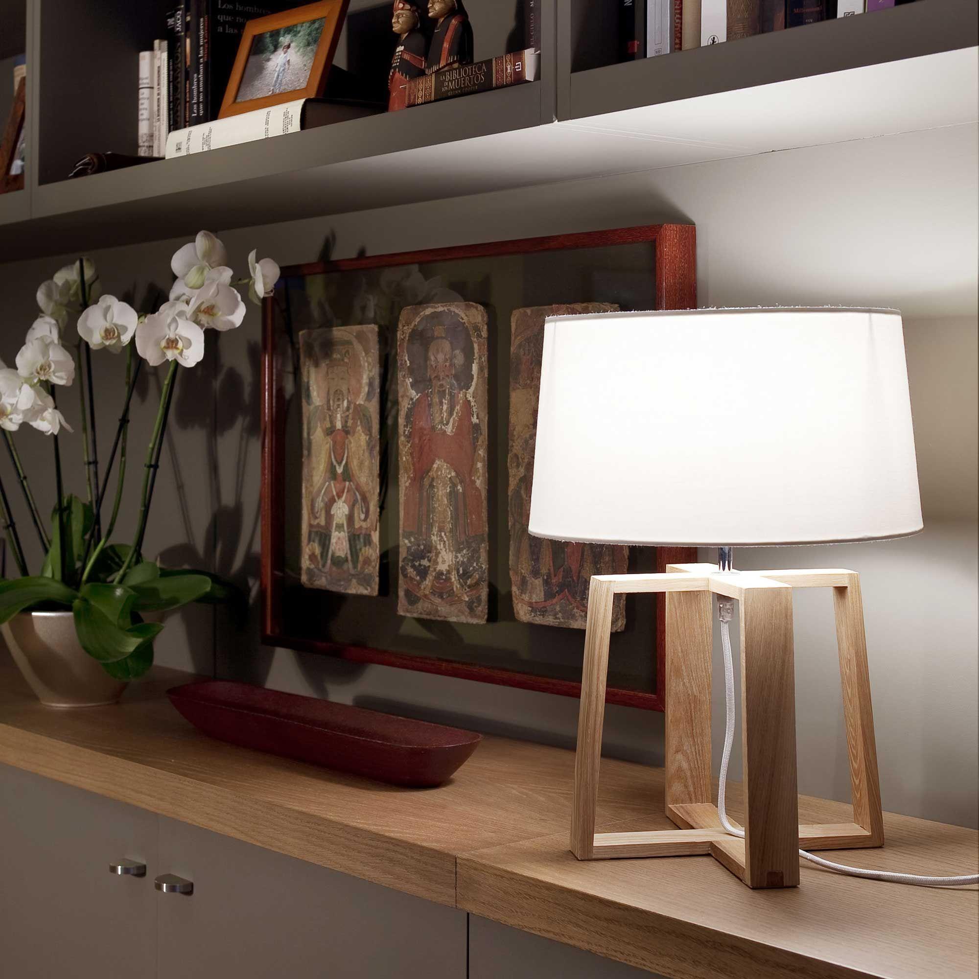 Lampe En Bois Et Abat Jour Textile Blanc Hauteur 45 Cm Bliss Faro Lampe Bois Decoration Classique Lampe De Table Blanche