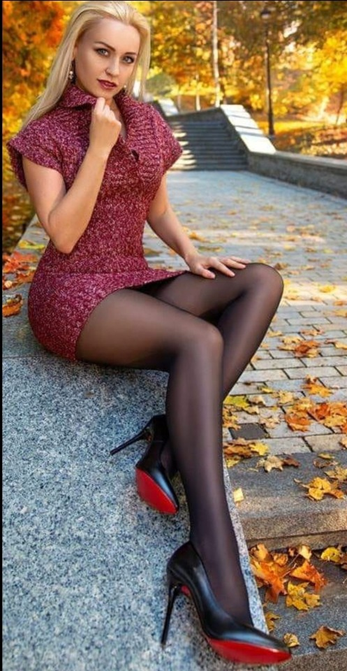 skirts Pantyhosed pussy tight