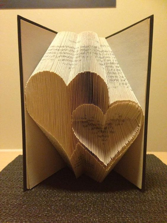 Book folding pattern for 2 Hearts ~ Love ~ Romance ~ Anniversary ~ Wedding +FREE tutorial #artdupliagedelivres