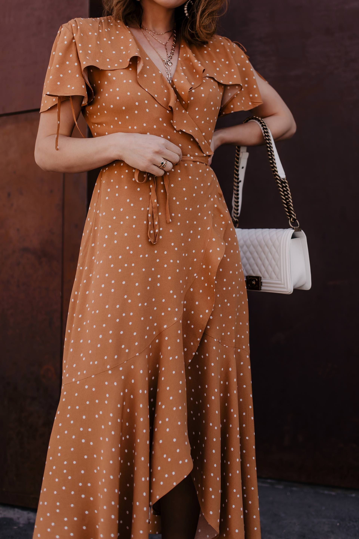 mein maxikleid outfit: so style ich polka dots kleid zu