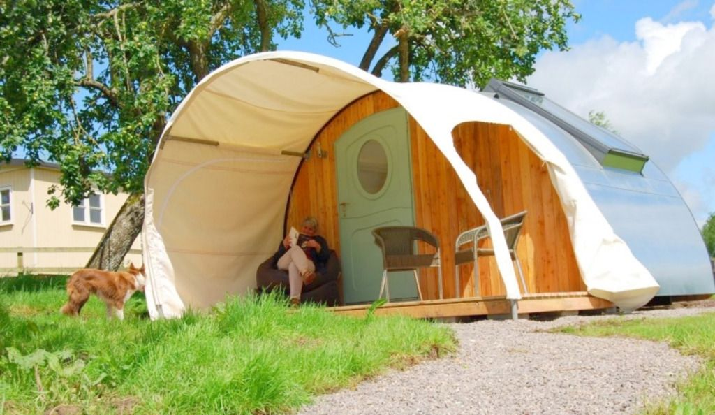Luxury c&ing and gl&ing in the UK holidays in treehouses yurts tipis pods & Luxury camping and glamping in the UK holidays in treehouses ...
