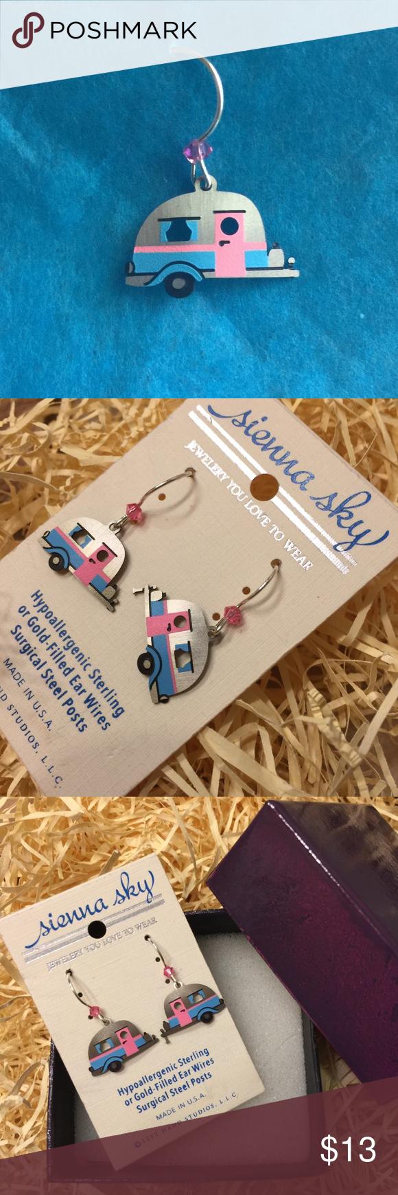 NWT uber cute Sienna Sky camperstyle earrings NWT Pink