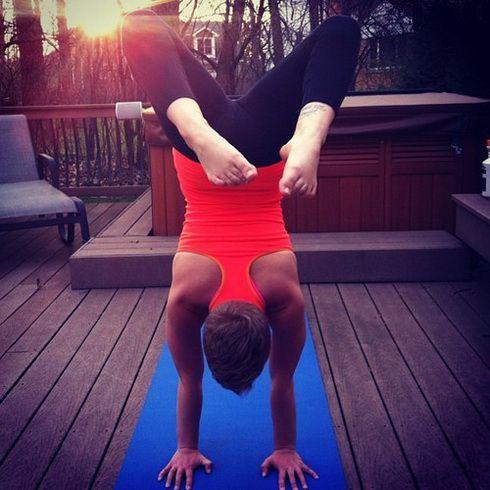 Pin By Jess Downey On Fitness Yoga Girl Namaste Yoga