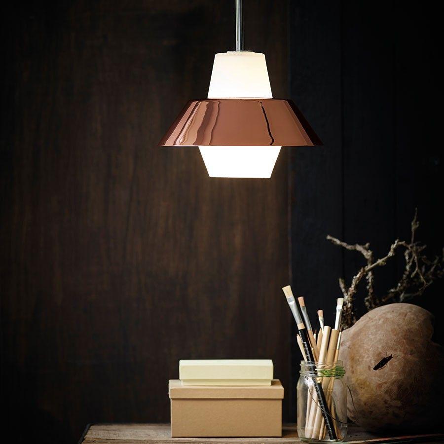 Charmant Puerto Pendel Er En Enkel Og Stilfull Lampe I Retro Serien Fra Herstal.  Lampen