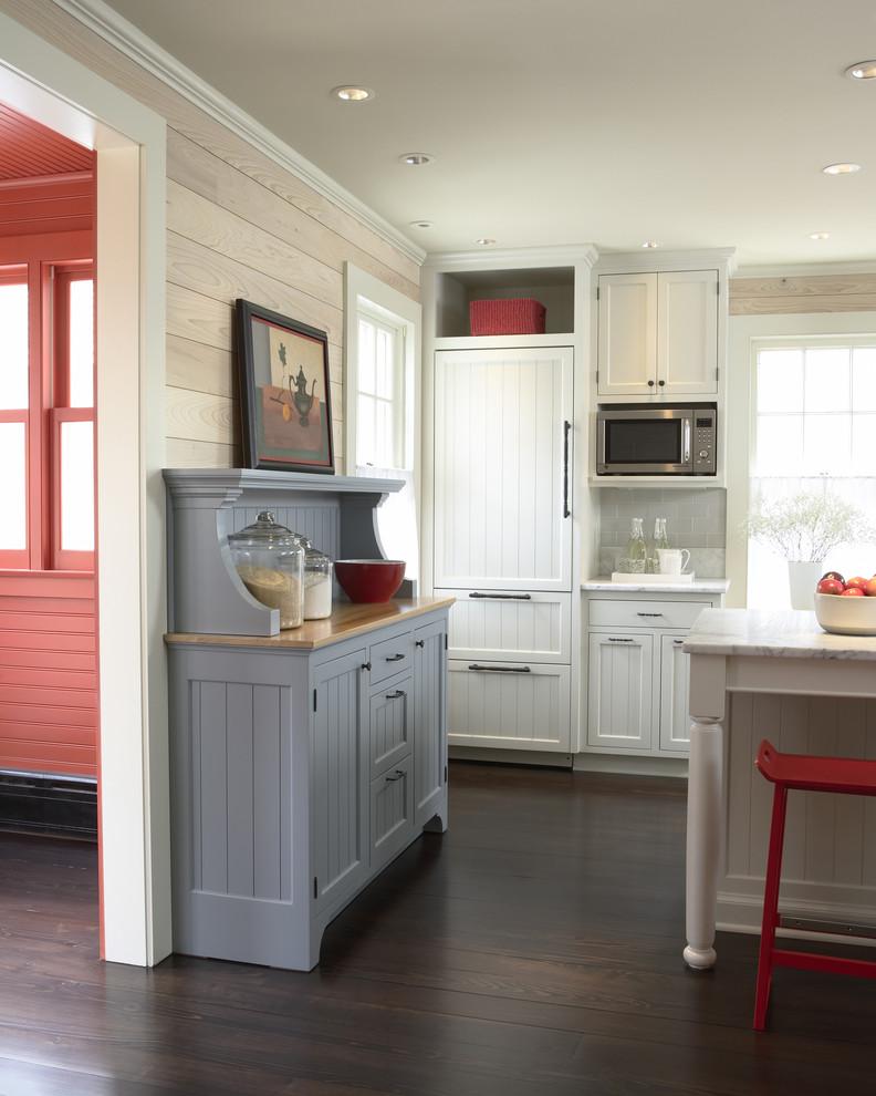 Варианты кухонных гарнитуров кухни: креденс, сервант и ...