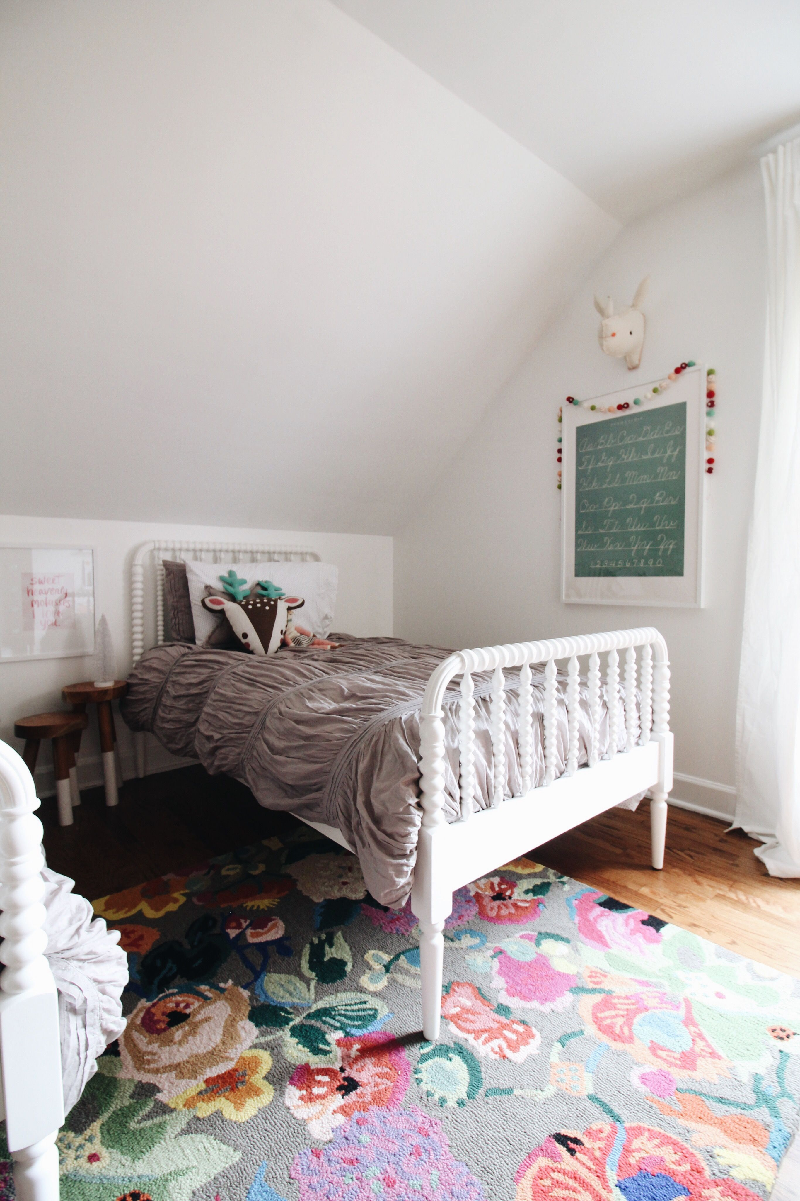 Pretty Shared Bedroom Designs For Girls: Christmas In The Girls Room