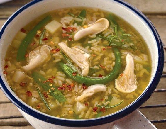 Sopa de arroz con setas
