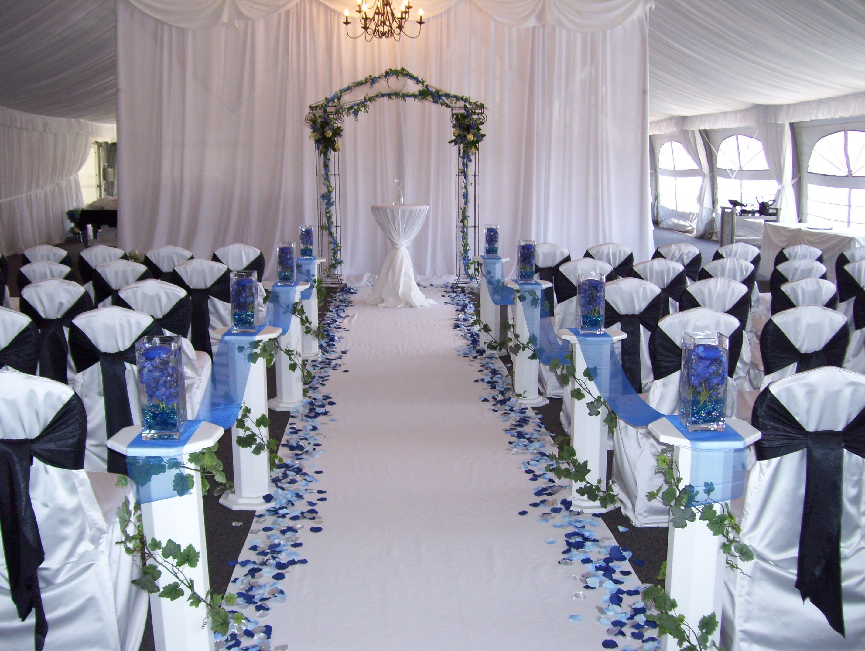 20 romance ideas with silver and blue wedding decorations for Baby blue wedding decoration ideas