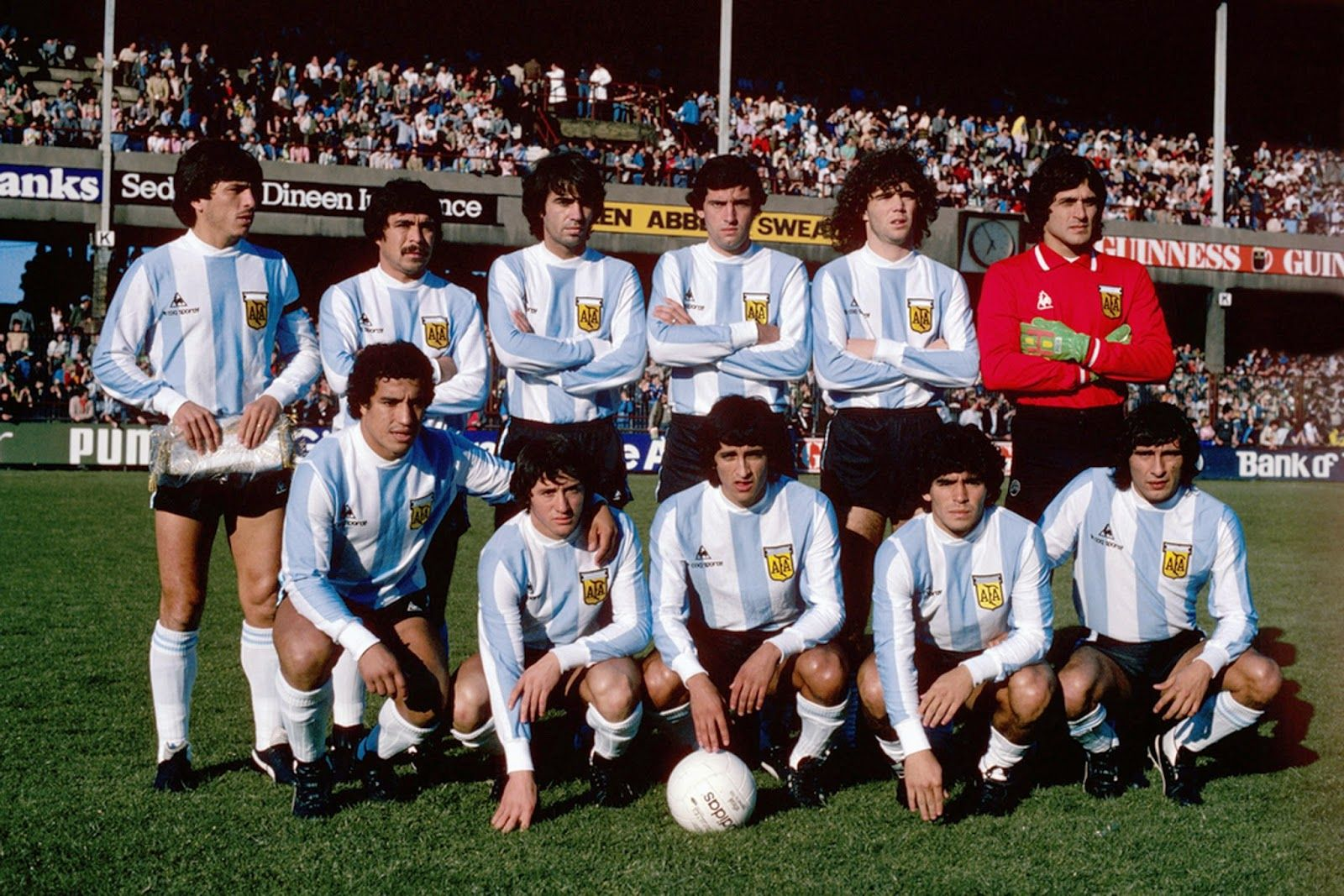 1980 Argentina Top left to right Daniel Alberto Passarella