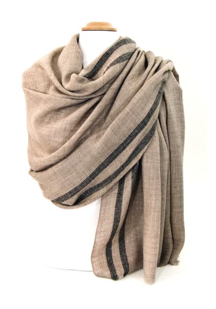 8b7e89c1ece8 étole laine fine avec rayures beige   mesecharpes.com   Pinterest