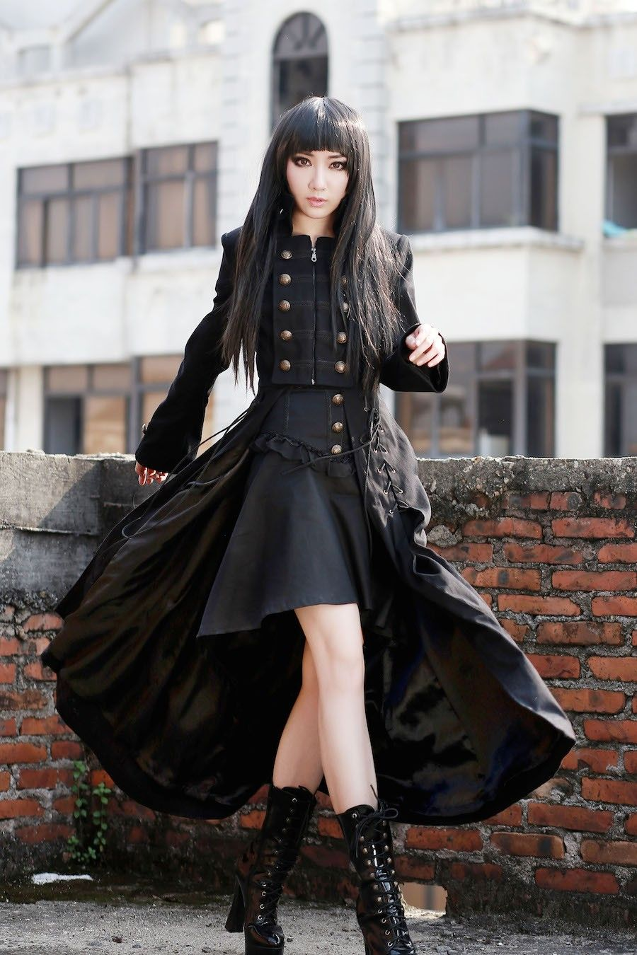 photo n°1  Long manteau gothique femme \u0027black dove\u0027