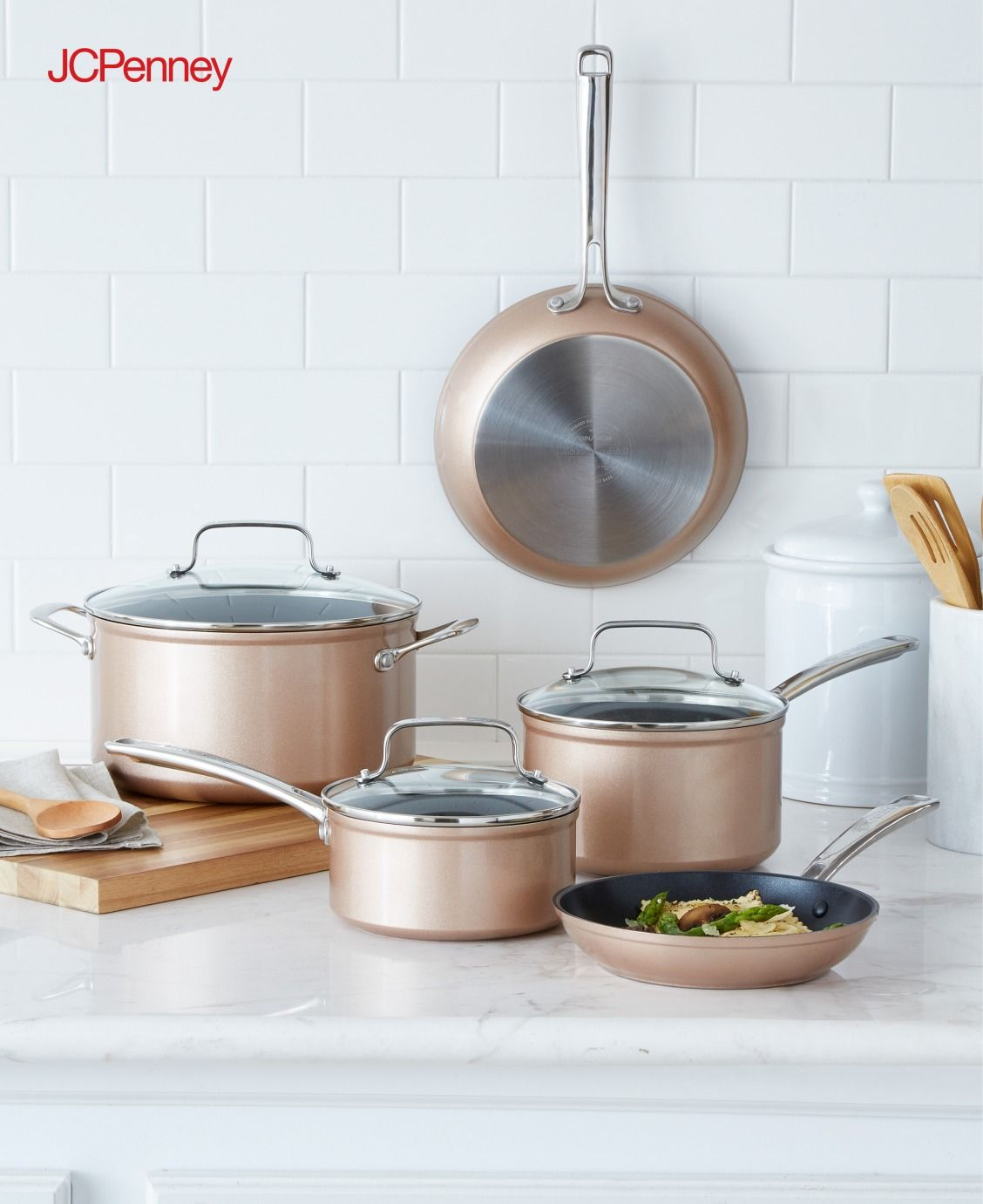 Tap to shop!// No kitchen is complete without a nonstick copper