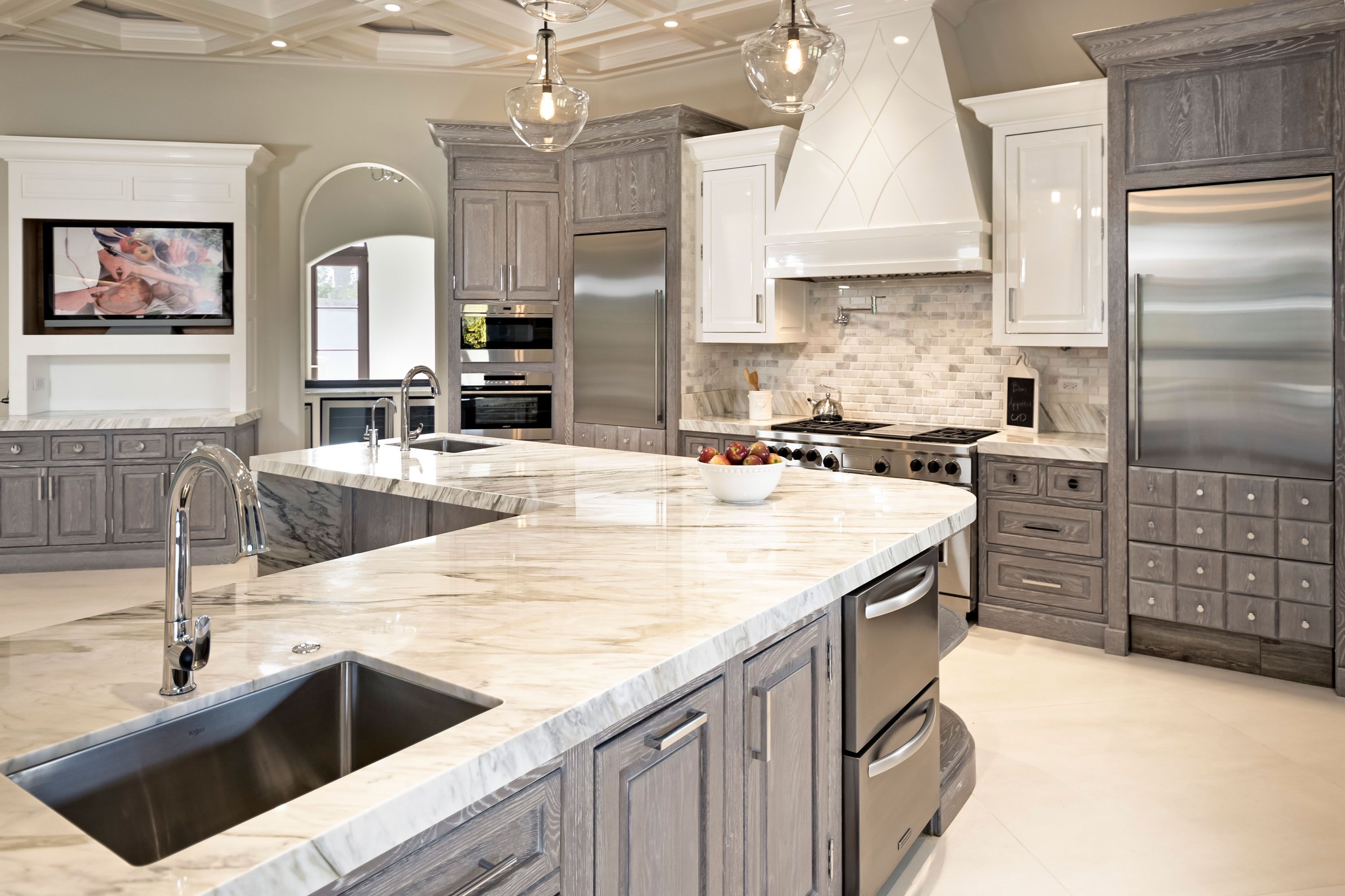 This Dream Home Is Just An Hour From Chicago And Includes A Three Acre Estate Multipl Affordable Kitchen Cabinets Interior Design Kitchen New Kitchen Cabinets