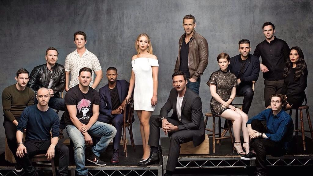 Jennifer Lawrence With The X Men Fantastic Four And Deadpool Cast Deadpool Movie X Man Cast Portrait