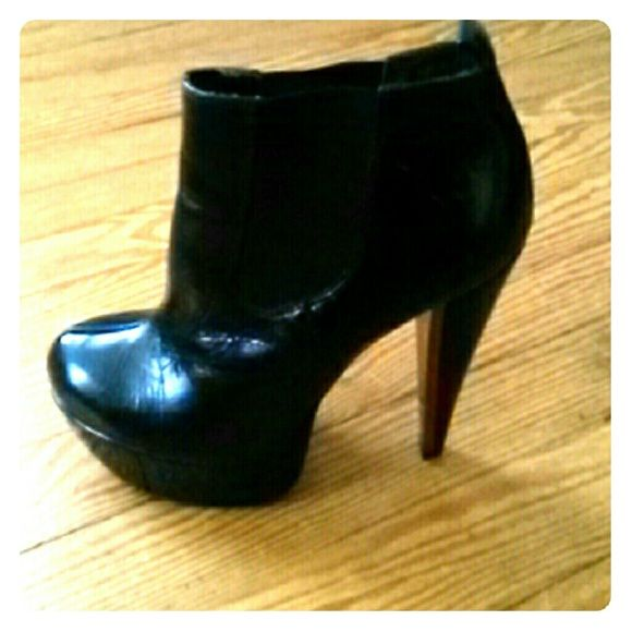 Booties Platform  black boots from top shop London! Topshop Shoes Ankle Boots & Booties