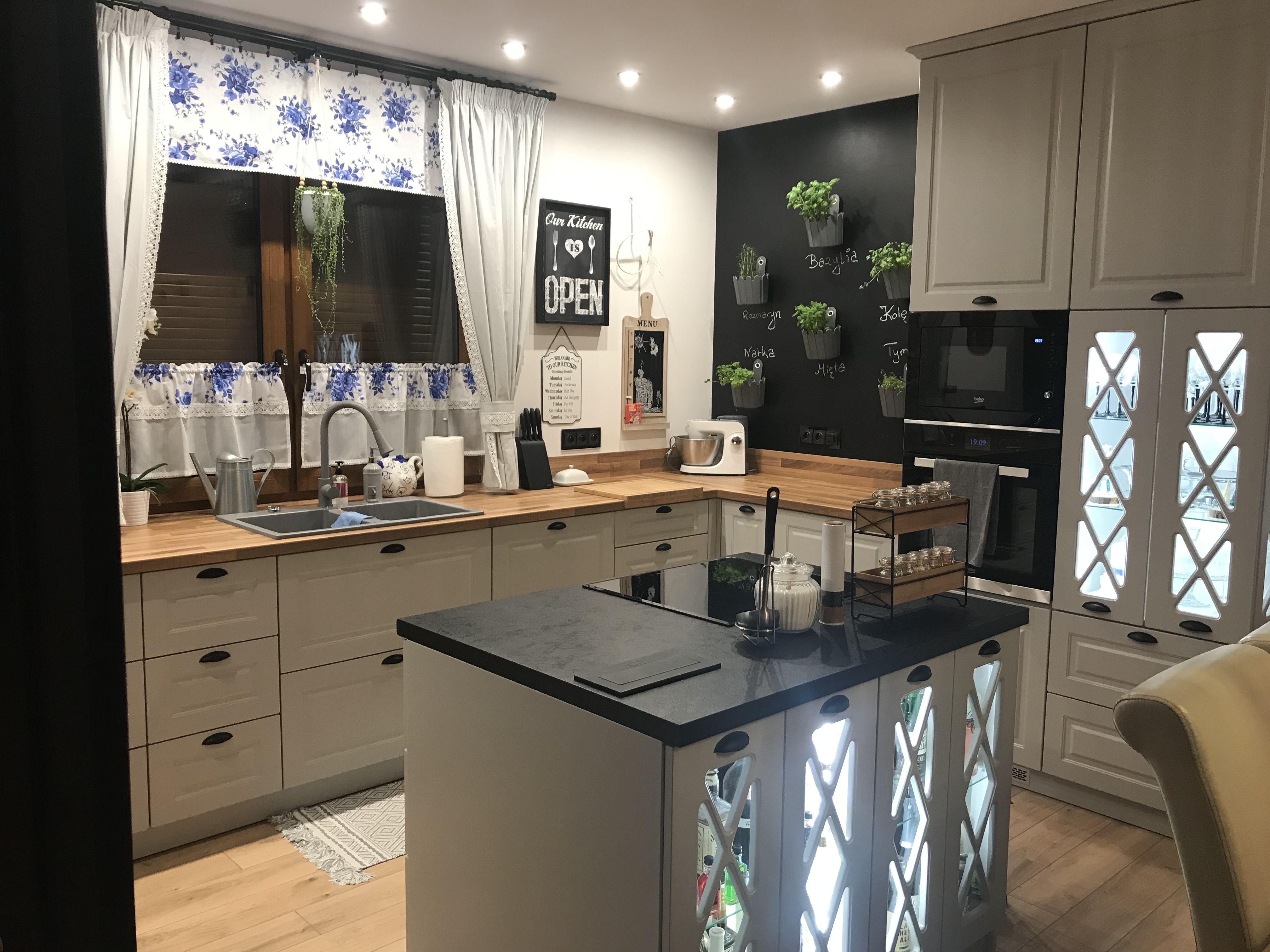 Otwarta Kuchnia Klasyczna Z Wyspa Home Decor Kitchen Decor