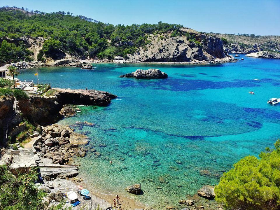 Cala xarraca foto herminio diaz ibiza ibiza sea beaches mar y playas de ibiza - Piscinas de arena com ...