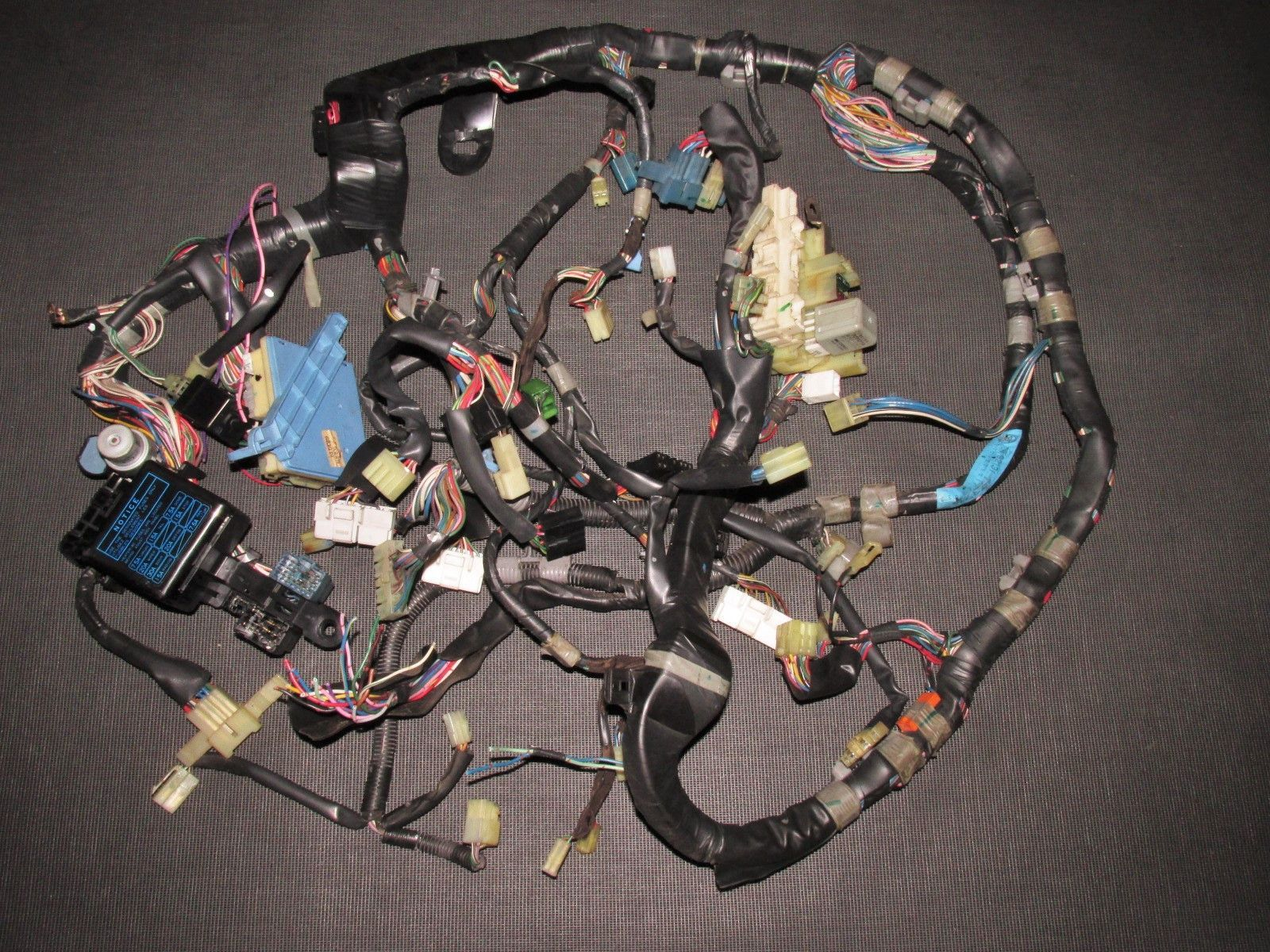 fc8077cba4c075b5aef19536b314b585 87 88 89 toyota mr2 oem dash wiring harness 4age m t toyota 4age wire harness at cos-gaming.co