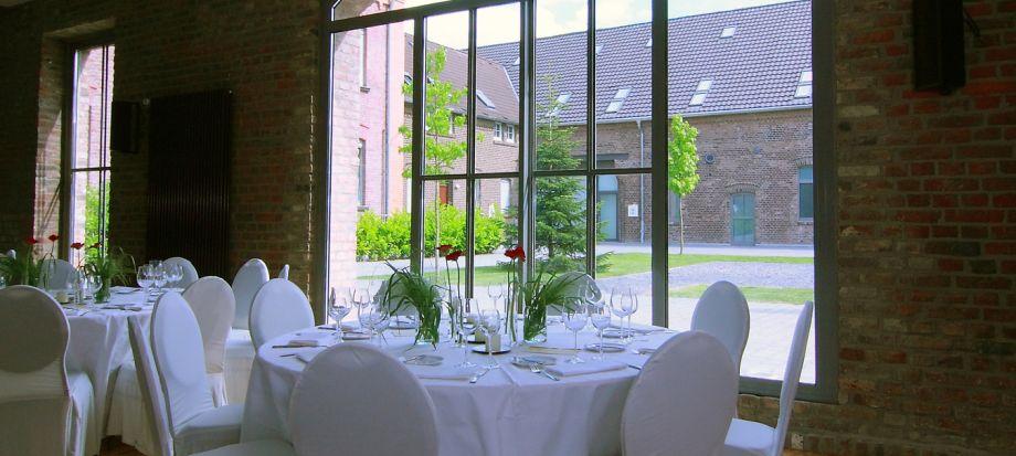 Ihr Fest Im Kastanienhof Koln Hof Veranstaltungsraum Hochzeitslocation