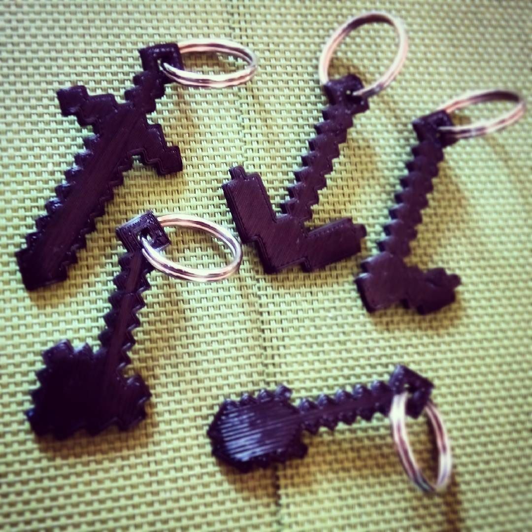 Something we liked from Instagram! #3dprintedkeyring #minecraftkeyring #minecraft #3dprint #8bit #prusai3 #thingverse #pla #makers #makeraddictz #3dprinter #p3steel #e3dv6 by juanfraalvarez check us out: http://bit.ly/1KyLetq