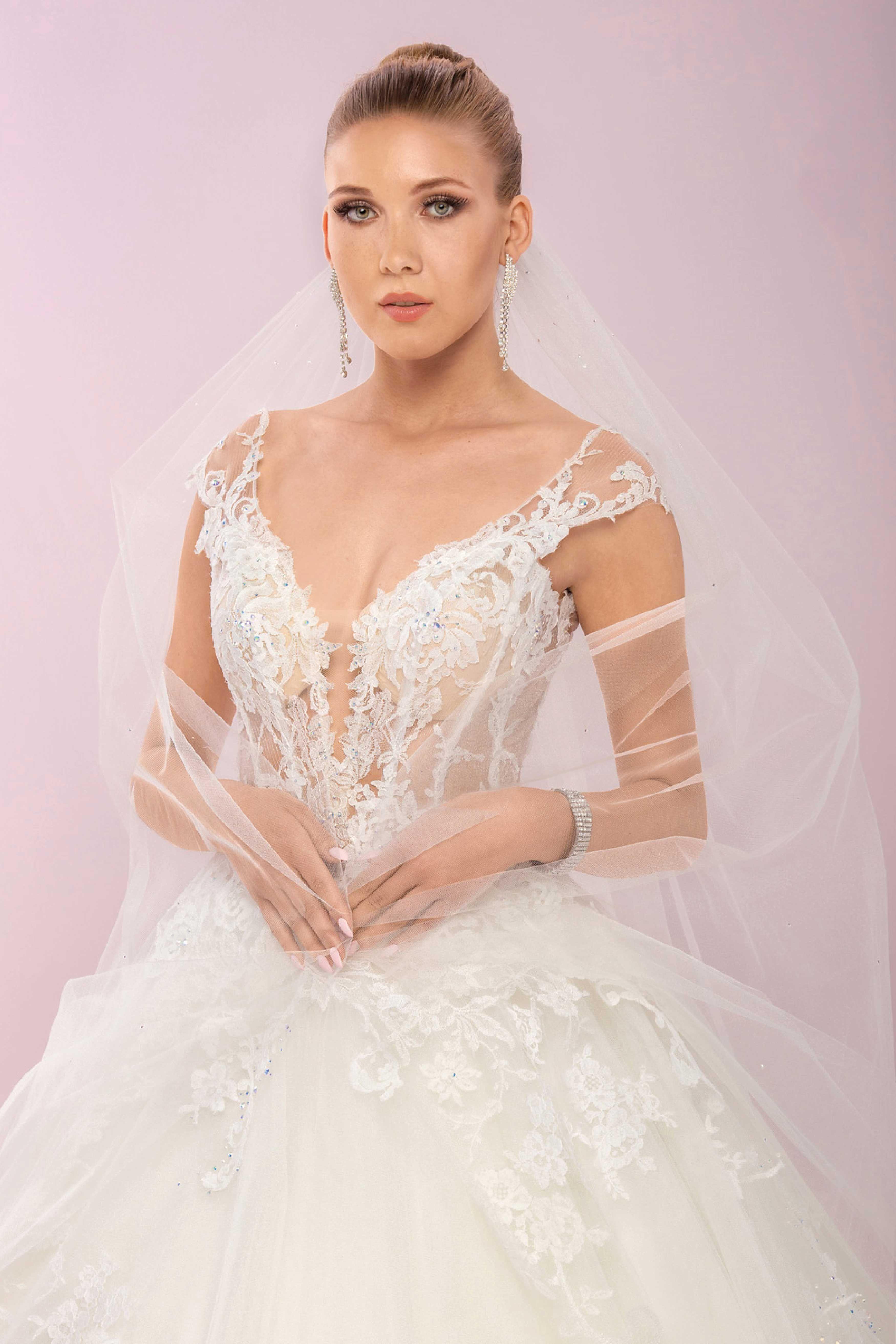 sale retailer 13de5 4982b Brautmode Agora | BRAUTMODE AGORA KOLLEKTION 2019 IN KÖLN ...