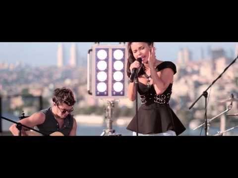 Inna Shining Star Rock The Roof Istanbul Opublikovano 19 03 2013 Shining Star Music Is Life Stars