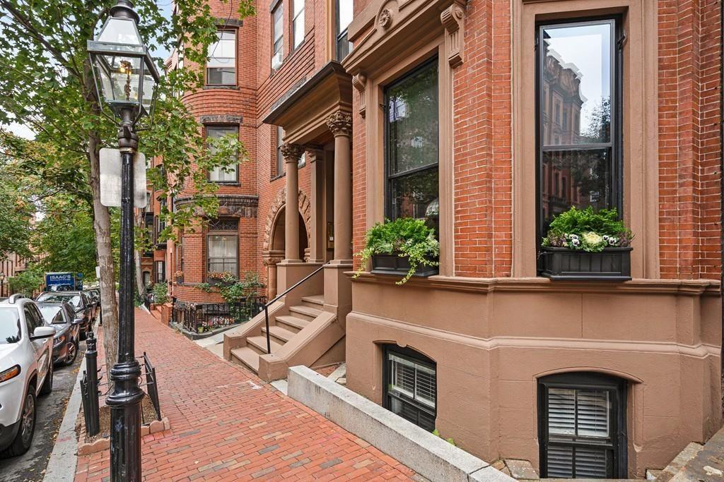 Boston Ma Real Estate Boston Homes For Sale Realtor Com In 2020 Boston Real Estate Real Estate Estates