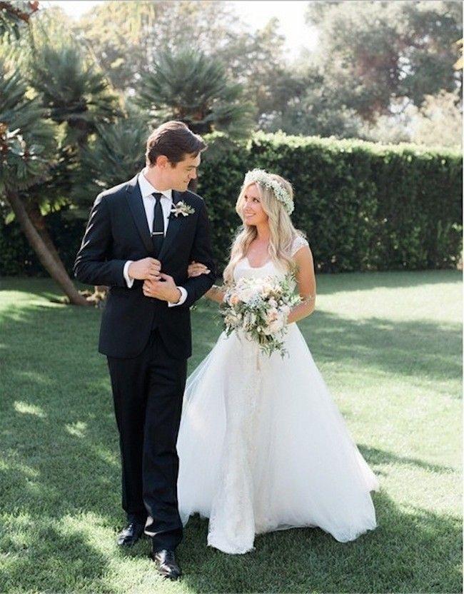 9852e925c Ashley Tisdale sorprende con su vestido de novia (había pocas esperanzas)  Casamiento