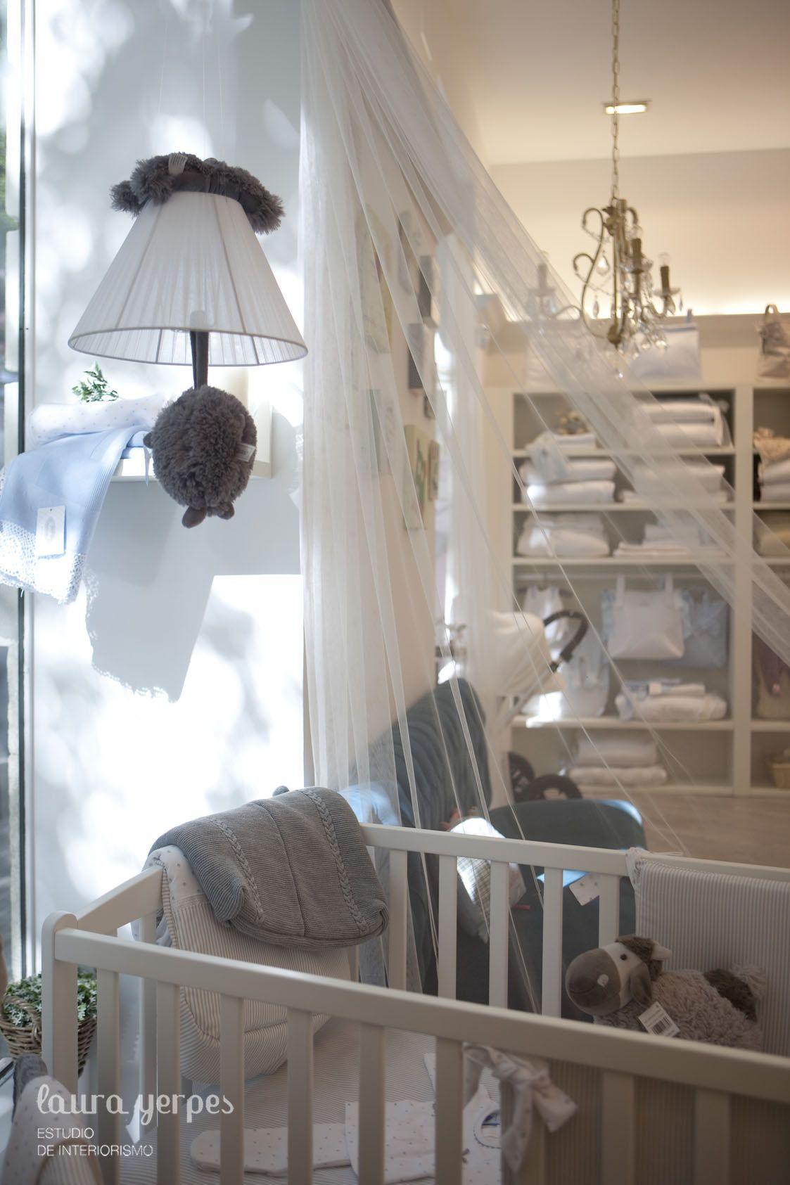 Decoraci n con ropa de hogar dise o interior tienda for Tiendas de decoracion de hogar