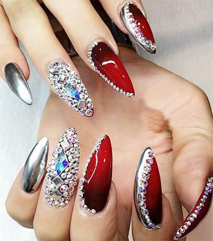 Sophisticated for sure, chrome nail art can be worn just about anywhere. - Ideas On How To Do Chrome Nail Art Explained In Detail Chrome