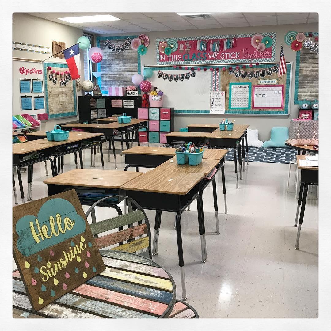 My 2nd home in 2nd grade! 💐 . . . . . . . .  teachersfollowteachers  iteachtoo  teachersofinstagram  teachersofig  shabbychic  rustic…