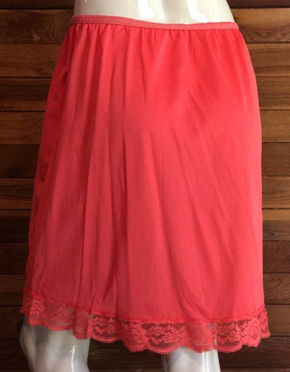 9464161c188f Vintage Lingerie 1960s GOSSARD ARTEMIS Size Medium Red Half Slip in ...