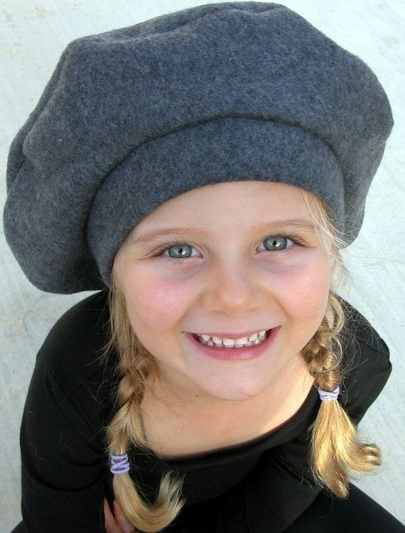 This tres joli little beret will look great on the petits boys or the  petites girls! Made of very soft charcoal grey fleece 97c7b088f14