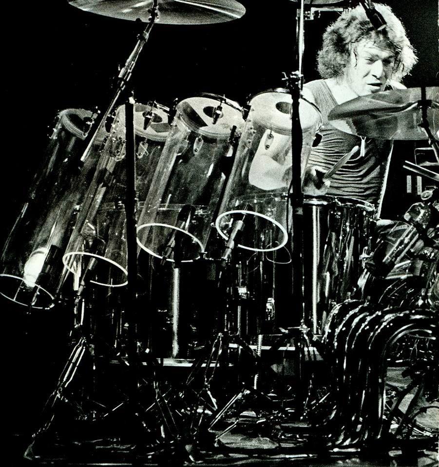Pin By Dave Bennett On V A N H A L E N Alex Van Halen Van Halen Drummer