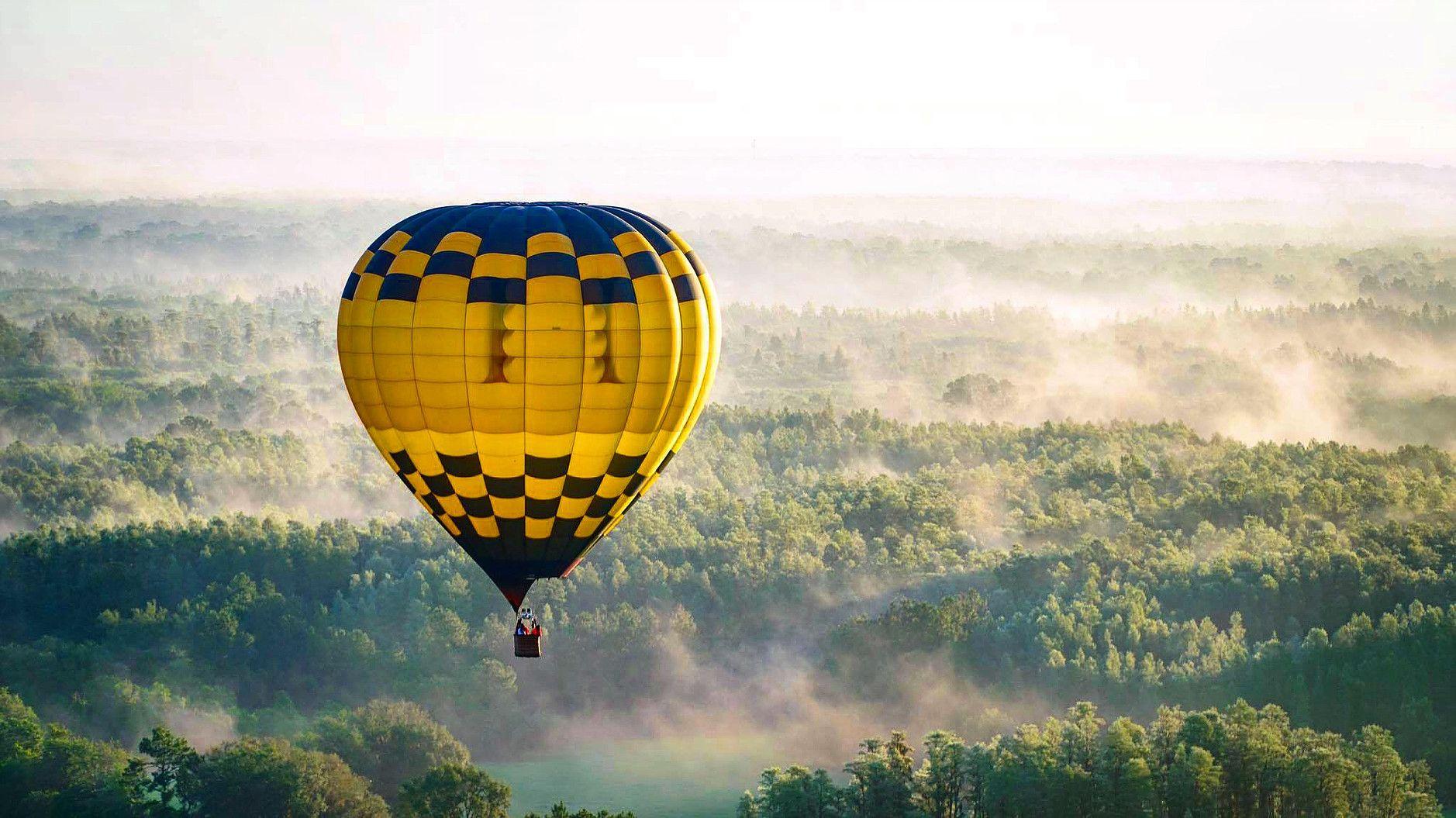 Our sunrise hot air balloon anniversary date Orlando