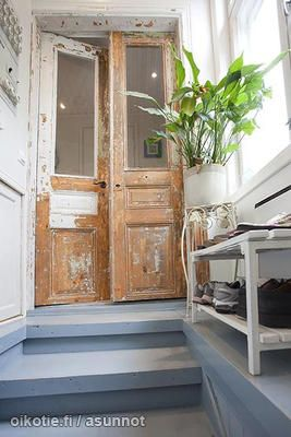 Hallway / Eteinen