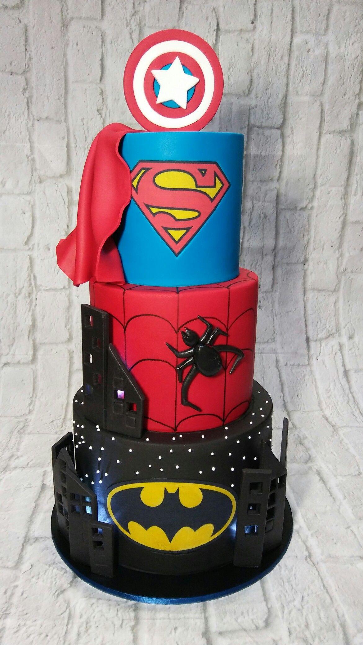 Noah's Superhero Cake | BOLOS | Festa de super herois, Super