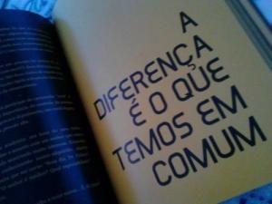 Em comum