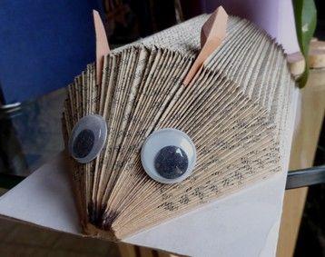livres pli s folded books tutoriels de pliage de livres origami cut and. Black Bedroom Furniture Sets. Home Design Ideas
