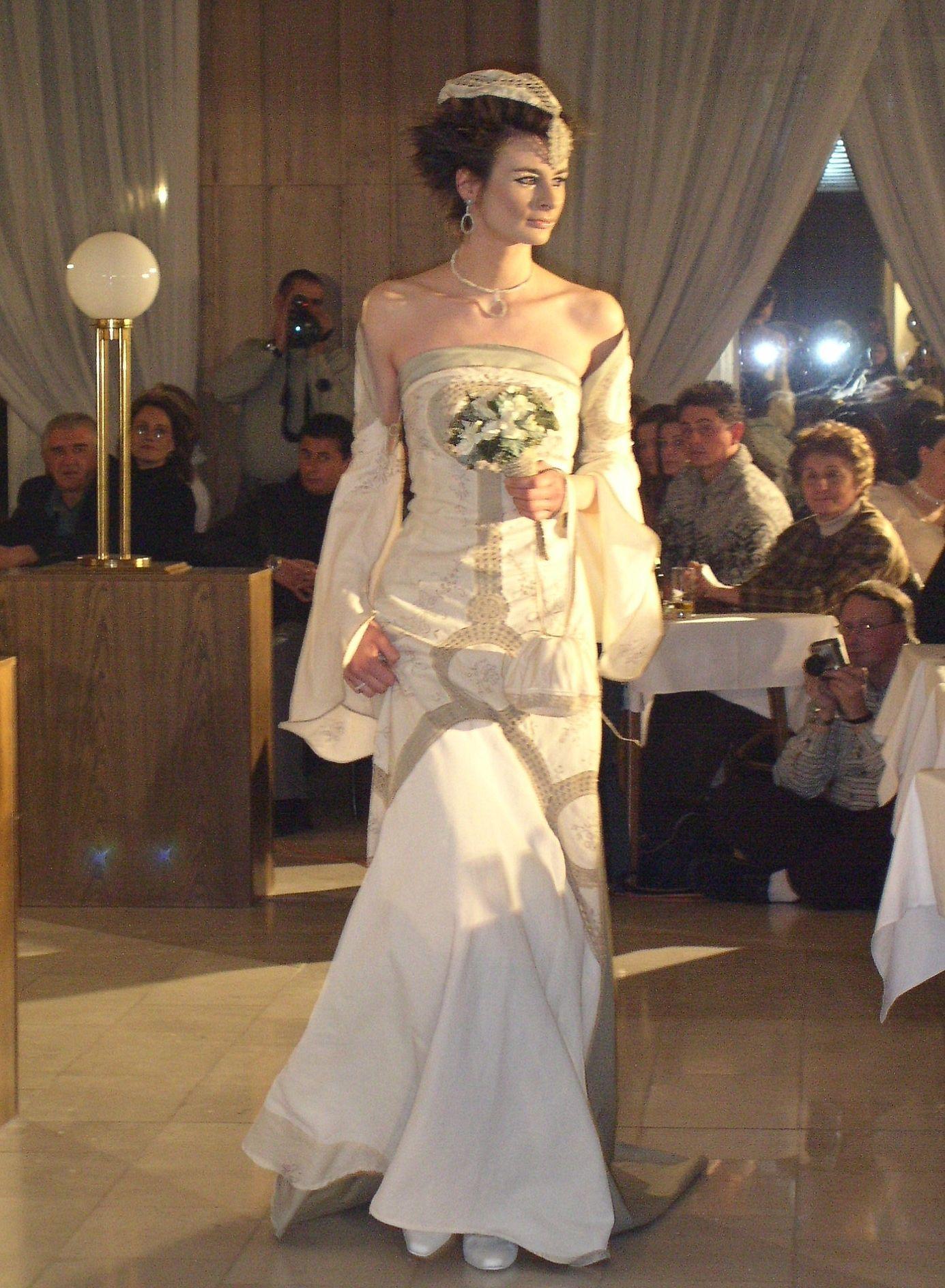 Lord Of The Rings Inspired Wedding Dress   Wedding Dress   Pinterest ...