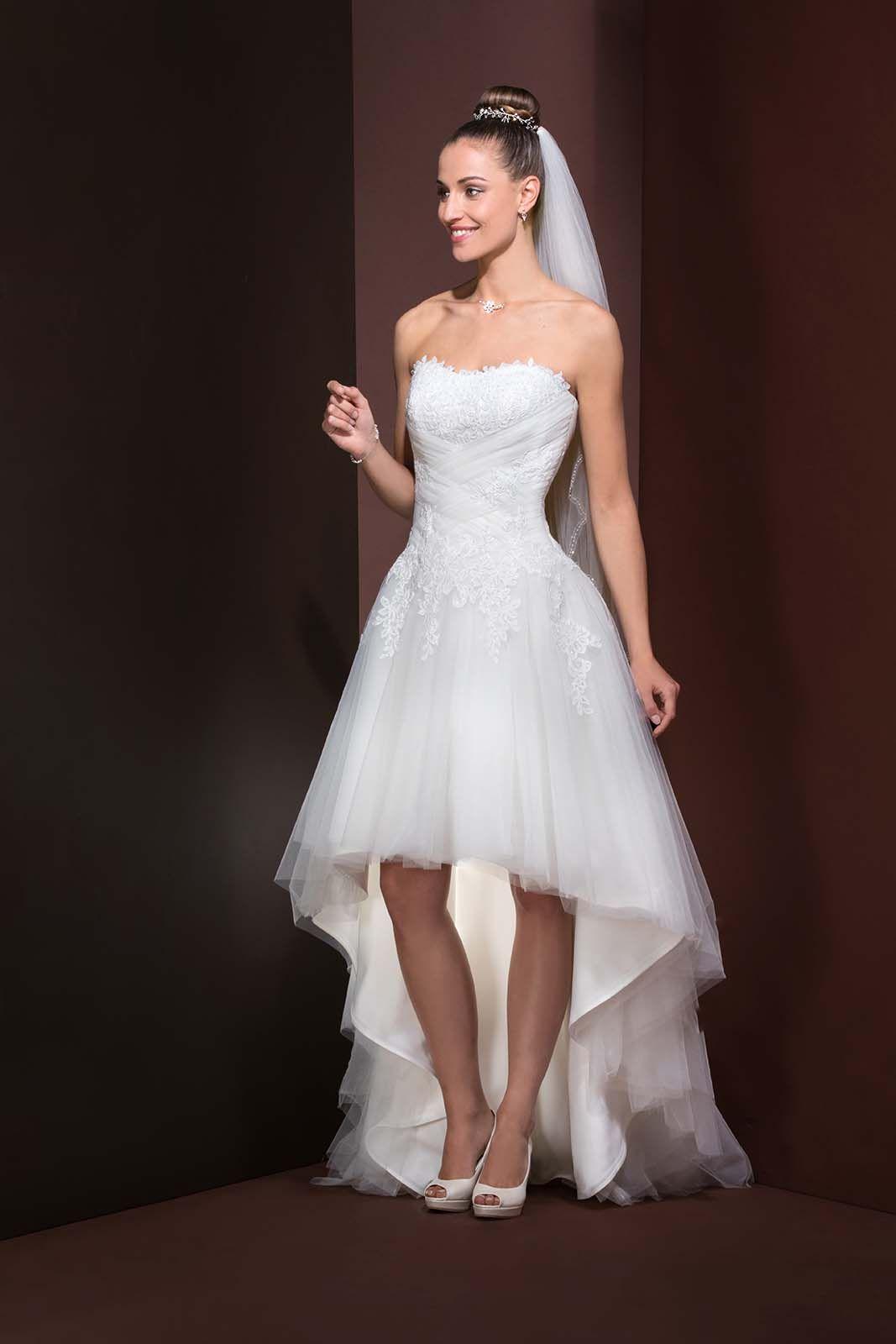 Vestido De Noiva Curto à Frente E Comprido Atrás Com Saia De