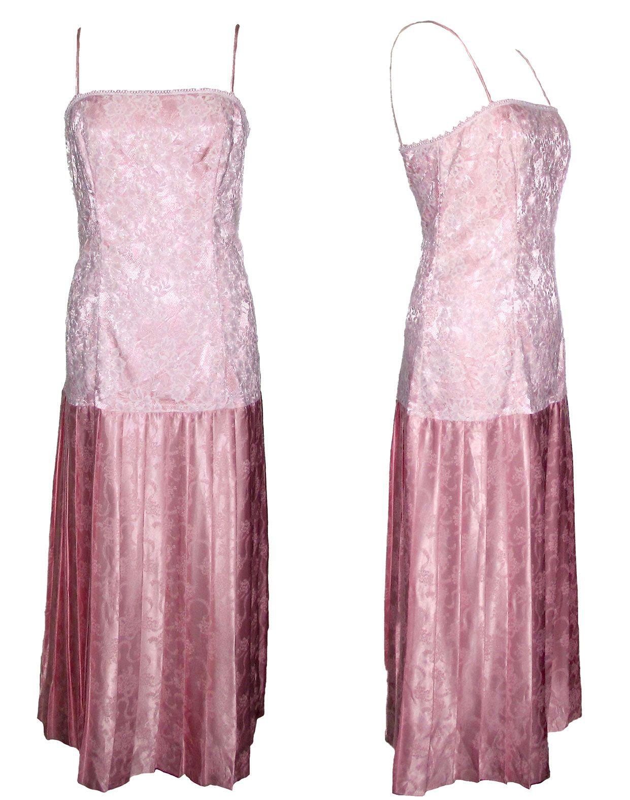 Vestido de fiesta en tono rosa y cuidado encaje blanco. Finos ...