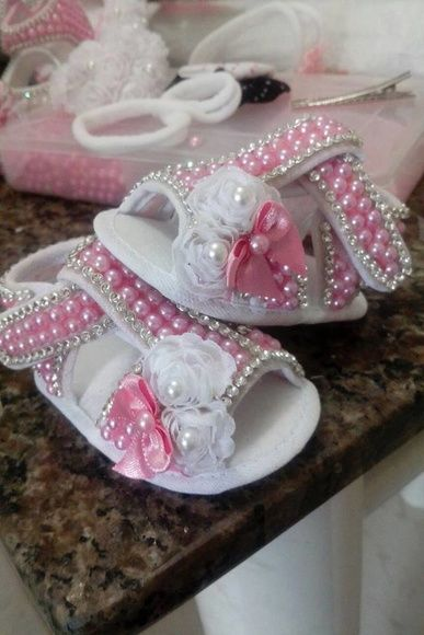 7d0efba0d SAPATOS PERSONALIZADOS DE BEBÊ … | sapatinhos de inverno | Sapatos  personalizados, Sapatos de feltro und Sapatos de pérolas
