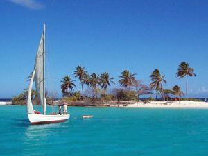 Segelboot karibik  Mit einem Segelboot die schönsten Strände der Karibik entdecken ...