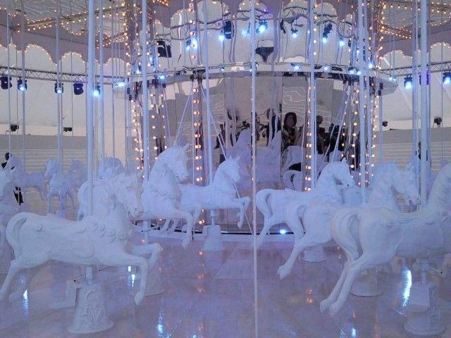 Carousel: Louis Vuitton SS 2012, Paris.