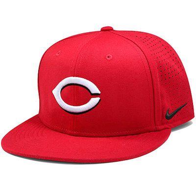 51887bf7289f0 Men s Nike Red Cincinnati Reds Vapor Adjustable Performance Hat ...