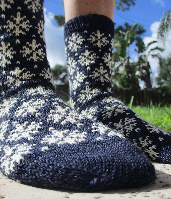Flurry Socks pattern by Melissa Kemmerer | Socks, Snowflake ...