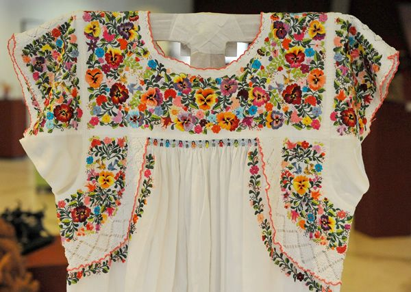 Mexican Embroidered Dresses | Mexican embroidery, Embroidery and ...